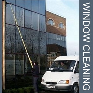Window cleaning pole pumps